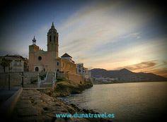 Cataluña tiene unas playas asombrosas, y un clima que acompaña a visitar sus pueblos marineros.... ¿Buscas hotel?