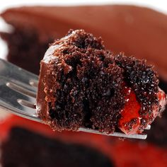 A Delicious chocolate cake recipe with fresh strawberries and a sweet chocolate frosting.
