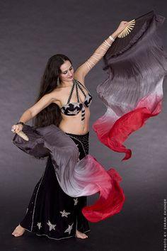 silk fan veils - what a beautiful idea!