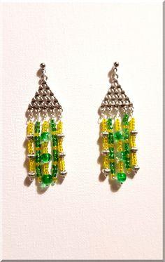 Boucles d'Oreilles triangles et perles vertes et jaunes : Boucles d'oreille par aliciart