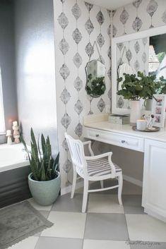 How to paint bathroom tile: floor, shower, backsplash Painted Bathroom Floors, Painting Bathroom Tiles, Bathroom Floor Tiles, Painted Floors, Floor Grout, Floor Painting, Shower Floor, Tile Floor, Western Style