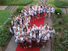 Gamma Phi Beta Crescent - Cute bid day pose for all the newbies, or everyone together? love it!