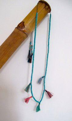 Dieses Angebot gilt für ein Aqua Perlen Quaste Anweisung Halskette  Dieser handgemachte Halskette-Funktionen, die Aqua 4 mm Perlen auf thread