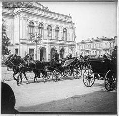 Calea Victoriei în anul 1913 - Teatrul Naţional Bucureşti sursa foto: www.muzeuldefotografie.ro