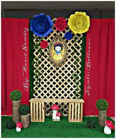 Blanca Nieves Princess Theme Party, Disney Princess Party, First Birthday Parties, Girl Birthday, First Birthdays, Snow White Prince, Dessert Table Birthday, Snow White Birthday, White Baby Showers