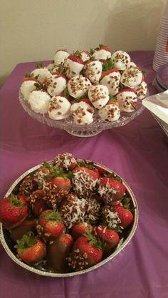 WHITE AND CHOCOLATE COVERED STRAWBERRIES!