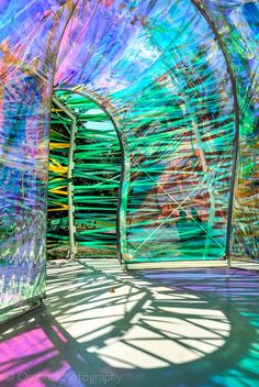 A leaf sneaks inside. The annual Serpentine Gallery pavilion by Spanish architects SelgasCano Kensington Gardens Hyde Park London UK. Kensington Gardens, Serpentine Gallery Pavilion, Hyde Park London, Interactive Art, Art Sculpture, Sports Art, Public Art, Architecture, Installation Art