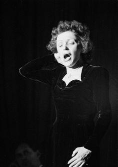 Edith Piaf, 1949. Photo by Walter Sanders.