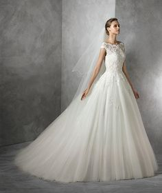 Tamira, Brautkleid mit Schmucksteinbesatz im Prinzessin-Stil