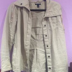 Tommy Hilfiger jacket worn twice. can fit a medium Tommy Hilfiger Jackets & Coats Trench Coats