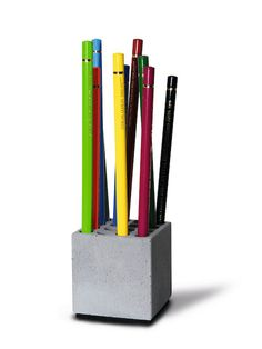 Korn Produkte | Dipl. Designer Jochen Korn | Objekte aus Beton | Made in Germany | Stiftehalter Block