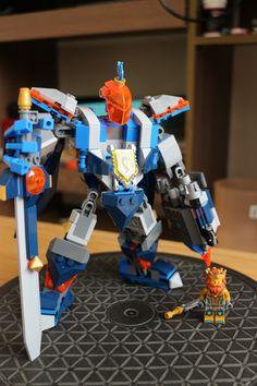 Lego king's mech