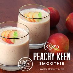 Enjoy this refreshing and sweet peach smoothie! - #fruitsmoothie #peaches