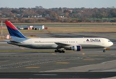 DELTA, BOEING 767, N190DN, at JFK, New York, USA. Nov 2008
