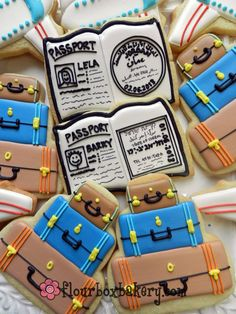 Travel Cookies - suitcases using 3 tier cake cutter Fancy Cookies, Iced Cookies, Cut Out Cookies, Cute Cookies, Royal Icing Cookies, Sugar Cookies, Cookies Et Biscuits, Cupcakes, Cupcake Cookies
