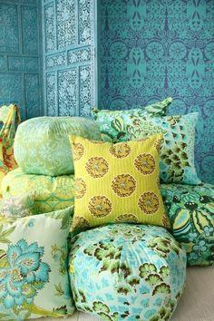 Amy Butler Gumdrop Pillows & Cushions- seating for the reading corner Amy Butler, Bohemian Decor, Bohemian Style, Modern Bohemian, Bohemian Pillows, Do It Yourself Design, Deco Boheme, Fabulous Fabrics, Mellow Yellow
