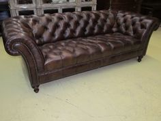Henredon Leather Company Button Tufted Brown Hand Rubbed Leather Sofa IL7753  EBAY US $5,899.00