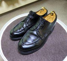 Paraboot 天気予報見たらマークなので追加で靴磨き 前回階段でつま先を削ってしまったのでポリッシュでうすく補給しました #paraboot #parabootchambord #chambord #shoes #shoecare #パラブーツ #パラブーツシャンボード #シャンボード #紳士靴 #革靴 #靴磨き #シューケア