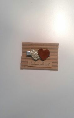 Horquilla mini corazon oro burdeos