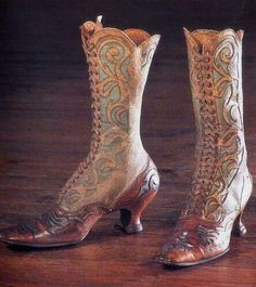 Belle Époque boots - wouldn't this make glorious spats?