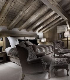 Log Home Decorating Accessories Chalet Interior, Gray Interior, Interior Design, Cabin Homes, Log Homes, Home Bedroom, Bedroom Decor, Loft Room, Lodge Style