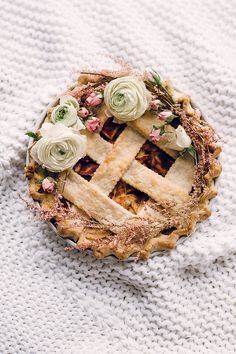 Classic apple pie: http://www.stylemepretty.com/living/2015/08/31/25-scrumptious-apple-recipes-to-kick-off-fall/