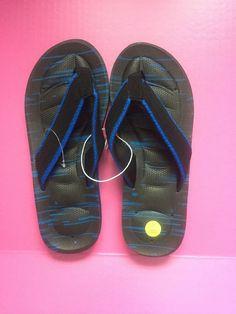 649dda41b6fc Boys Tek Gear Flip Flops Size 7 black with blue accent.  fashion  clothing