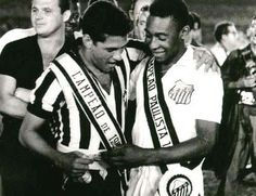 Dois gênios do futebol: Pelé e Garrincha