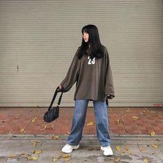 Korean Girl Fashion, Ulzzang Fashion, Korean Street Fashion, Tomboy Fashion, Asian Fashion, Streetwear Fashion, Muslim Fashion, Kpop Fashion, Korean Outfits