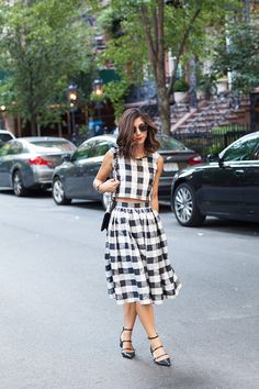 Love the gingham skirt and crop top for sumer or spring! This look is so lovely paired with the black heels. I could see this with black lace up flats too.