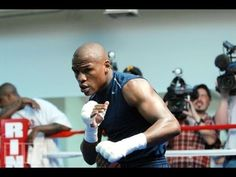 Floyd Mayweather Jr. certainly one of my favorite boxer. He has amazing technique and beautiful technique. Each time i train i think of him.