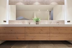 badkamermeubel op maat eikenhout himacs solid surface