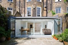 Trombé :: Contemporary Modern Conservatories and Conservatory Design London :: Structural Glazing Extension Veranda, Glass Extension, Roof Extension, Modern Conservatory, Glass Conservatory, House Deck, House Extensions, Flat Roof, Winter Garden