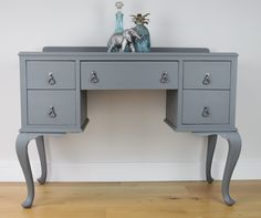 Chest of Drawers & Dressing Table Set - Dark Grey - Vintage - Hand Painted (colour for dressing table) Upcycled Furniture, Shabby Chic Furniture, Painted Furniture, Bedroom Furniture, Reclaimed Furniture, Furniture Ideas, 1950s Dressing Table, Dressing Room, Oh My Chalk