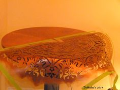 How to stencil a table top! {DIY} - Debbiedoo's