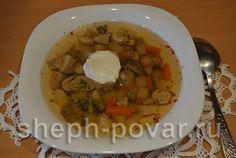 давайте сегодня приготовим удивительно нежный, ароматный и вкусный суп с белыми грибами с брокколи и цветной капустой. Овощи обогащают его витаминами и ...