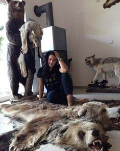 Fur Rug, Fur Coat, Sexy, Fashion, Animales, Moda, Fashion Styles, Fashion Illustrations, Fur Coats