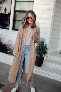 Everyday Style 4 Outfits From February s Capsule Wardrobe winterootd outfitideas style Look Fashion, Daily Fashion, Everyday Fashion, Teen Fashion, Petite Fashion, Ladies Fashion, Preppy Fashion, Classy Fashion, Modern Fashion Style