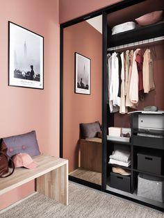 Garderobe- Frontrow | Drømmekjøkkenet Linen Bedroom, White Bedroom, Master Bedroom, Karton Design, Kitchen In, Design Your Own Home, Interior Design Living Room, Interior Inspiration, Storage Spaces