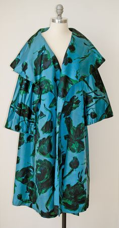 1950's Don Loper Silk Evening Coat – I would love to sashay into some fancy restaurant wearing this.