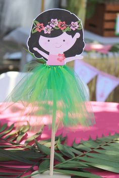 Luau / Hawaiian Birthday Party Ideas | Photo 3 of 15 | Catch My Party