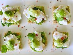 σεβίτσε τσιπούρας με αβοκάντο, λάιμ και ροζ πιπέρια | Pandespani Ceviche, Avocado Toast, Lime, Breakfast, Food, Morning Coffee, Eten, Limes, Meals