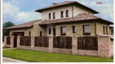 Bontott tégla kerítés Front Gates, Tuscan House, Cottage Farmhouse, Fence Gate, Fence Design, Pool Houses, Terrazzo, Home Remodeling, Tiny House