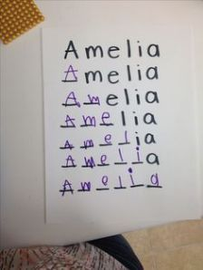 A good technique to learn how to write your name! - Today Pin A good technique to learn how to write your name! Preschool Workbooks, Spelling Activities, Preschool Classroom, Preschool Learning, Writing Activities, Teaching, Spelling Games, Preschool Education, Education College