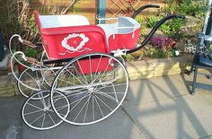 An old fashioned pram by multicolouredyoshi, via Flickr