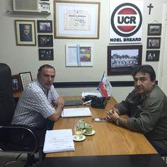 De visita Carlos Pino Periodista , coordinando reportajes