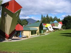 The 13 World's Strangest And Funniest Buildings!