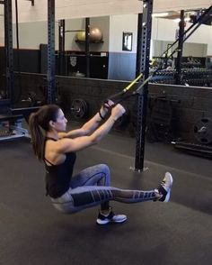 TRX 10 reps 15 reps 15 each side rounds Best Cardio Workout, Workout Videos, Gym Workouts, Workout Protein, Trx Workouts For Women, Suspension Workout, Suspension Training, Pilates Studio, Pilates Reformer