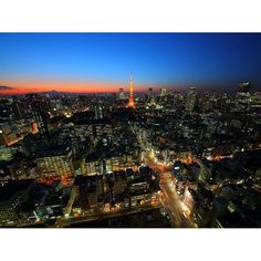 Instagram【tokyoyakei】さんの写真をピンしています。 《貿易センタービル展望台 シーサイドトップ JR浜松町駅横にある360度の見渡せる展望台です。 東京の都心から東京湾まで変化のある夜景を見ることができます。  NIGHT Windows~東京の夜景 http://tokyoyakei.jp/  #東京夜景 #夜景 #夜景写真  #東京タワー #貿易センタービル #富士山 #夕景  #japan_night_view  #japan  #nightview #team_jp_  #ptk_japan  #lovers_nippon  #igersjp  #igers  #ig_japan  #tokyocameraclub  #team_jp  #japan_daytime_view  #photo_jpn》