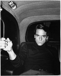 Jeremy Irons Intense stare in the back of a taxi cab, Love it! Scottish Actors, British Actors, Hot Actors, Actors & Actresses, Beautiful Men, Beautiful People, Jeremy Irons, Ensemble Cast, Ile De Wight